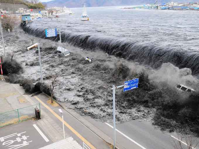 tsunami-destructions
