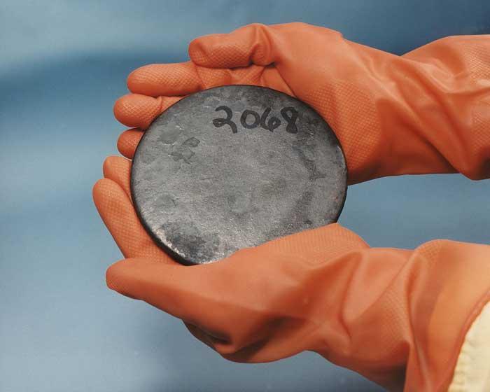 uranium-metal-disk