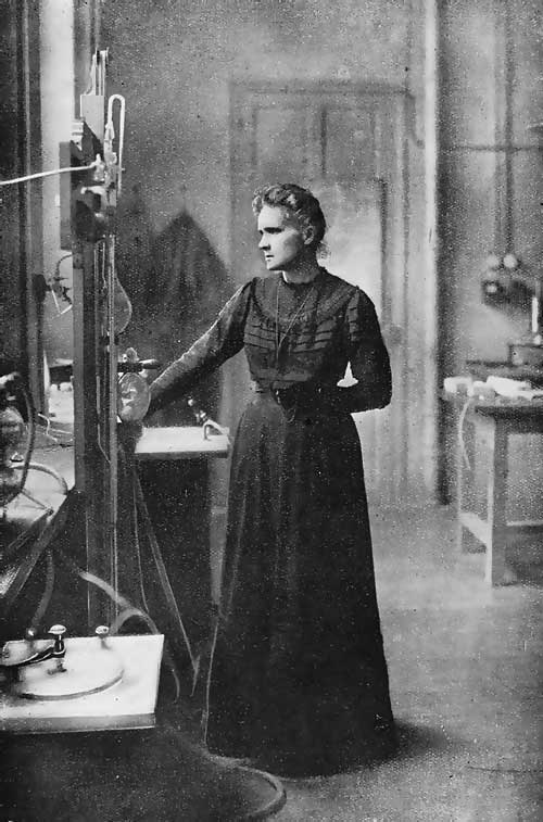 marie-curie-in-laboratory